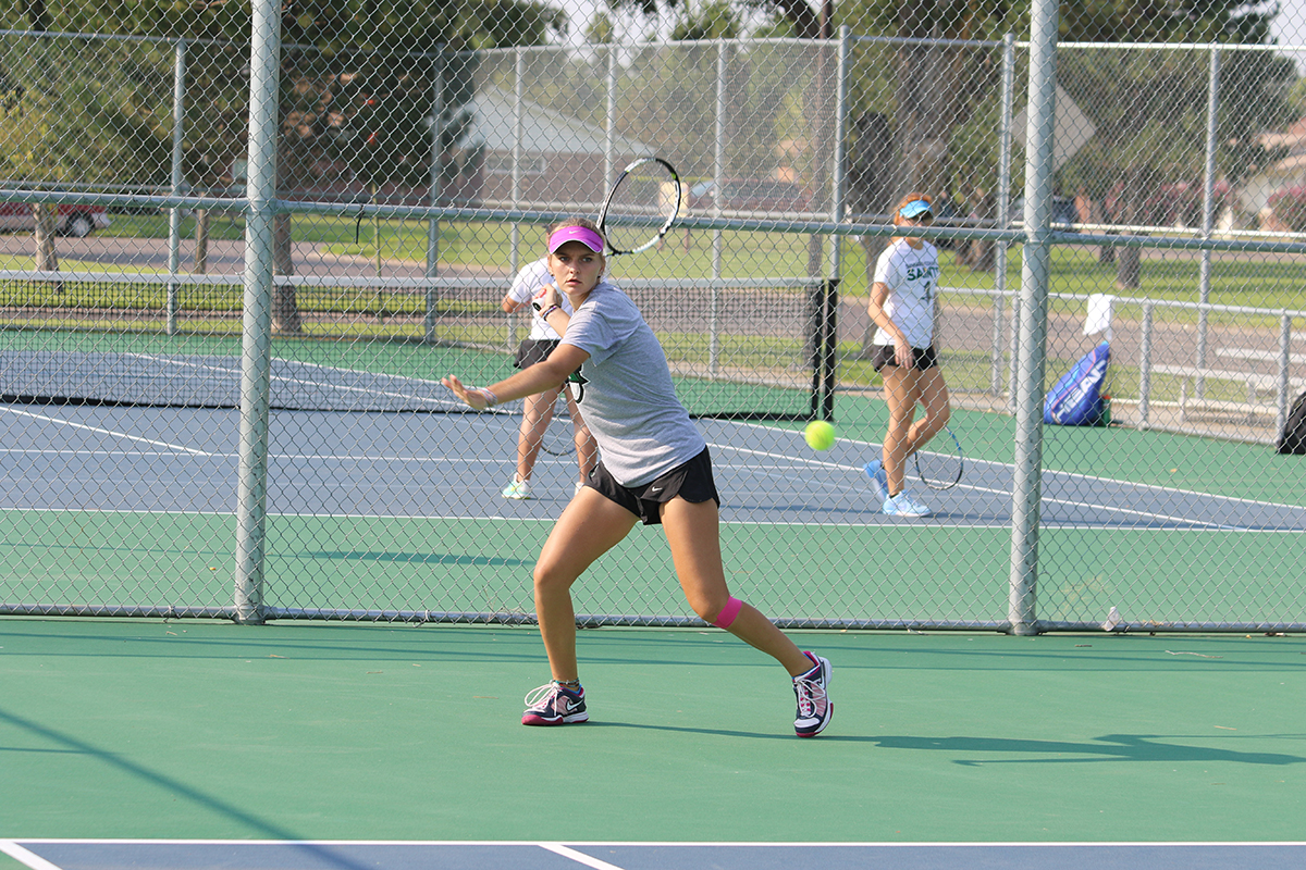 Seward Tennis Dominates NMMI Invite