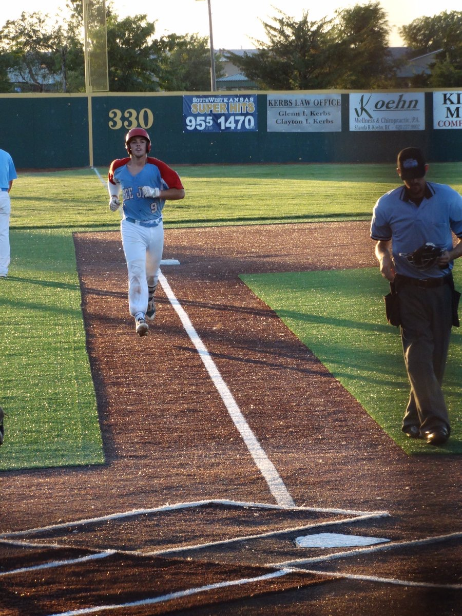 Bee Jays Walk the Nine in Loss at Dodge City