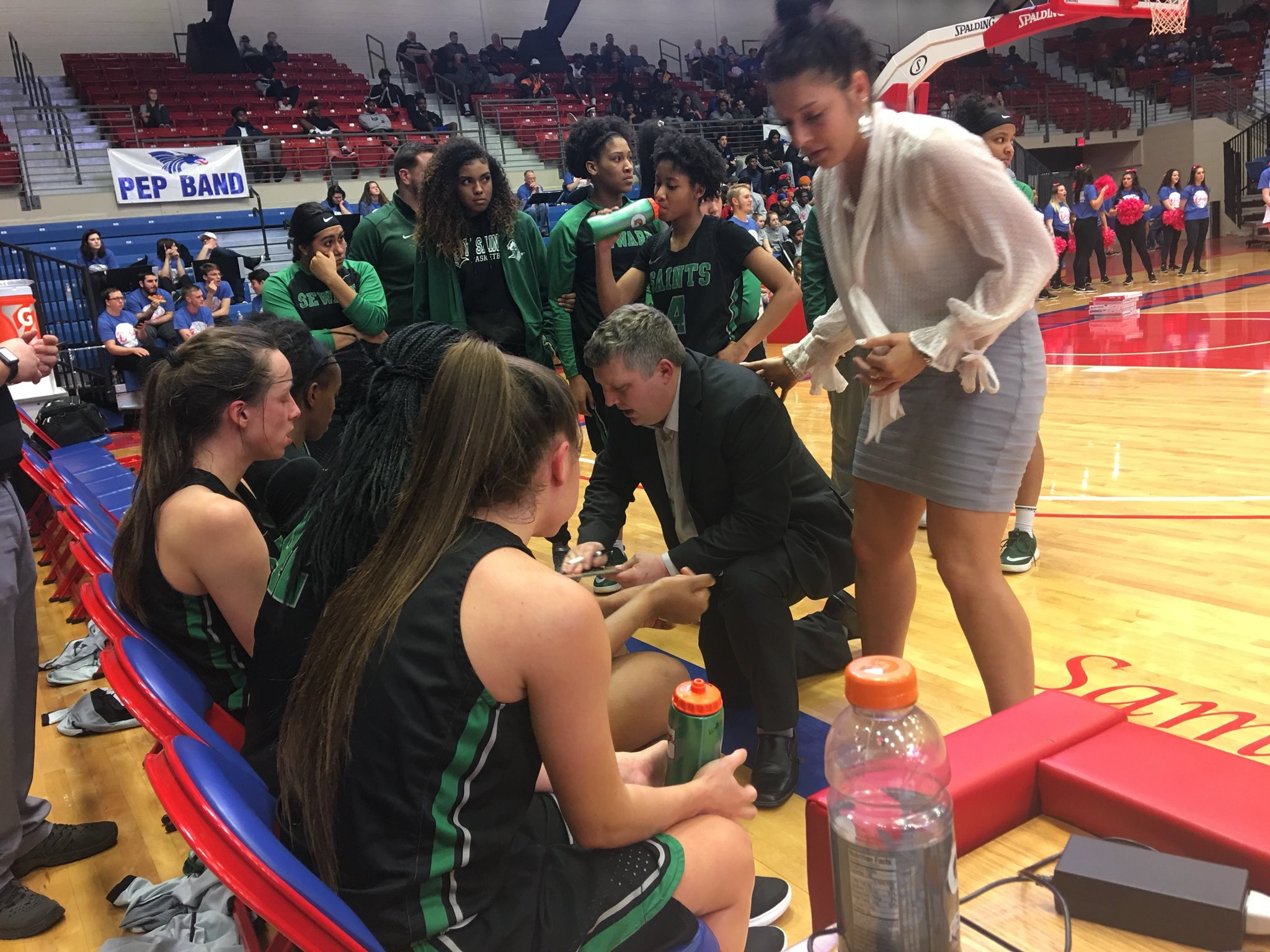 Lady Saints Move Up to Sixth in NJCAA Rankings